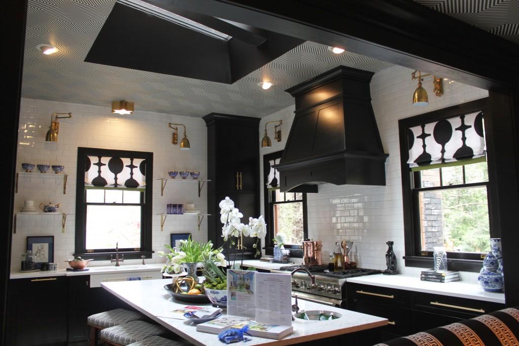 Christy Davis Interiors: Black & White Kitchen Success | Lisa Mende Design